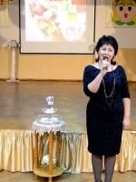 Директор школы Е.И.Дудкина от души поздравила всех присутствующих с юбилеем школы