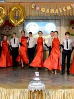 Танго в исполнении школьного танцевального ансамбля