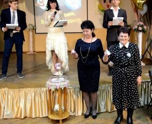 Вместе зажигают «Свечу Мудрости» А.С. Мелешкина и Е.И.Дудкина